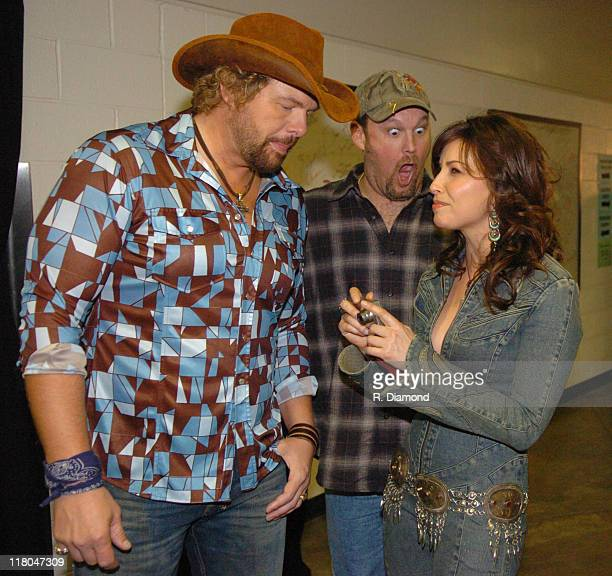 Toby Keith Larry the Cable Guy and Gina Gershon during 2005 CMT Music Awards Backstage at Gaylord Entertainment Center in Nashville Tennessee United...