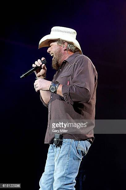 Toby Keith performs in concert at Austin360 Amphitheater on October 16, 2016 in Austin, Texas.