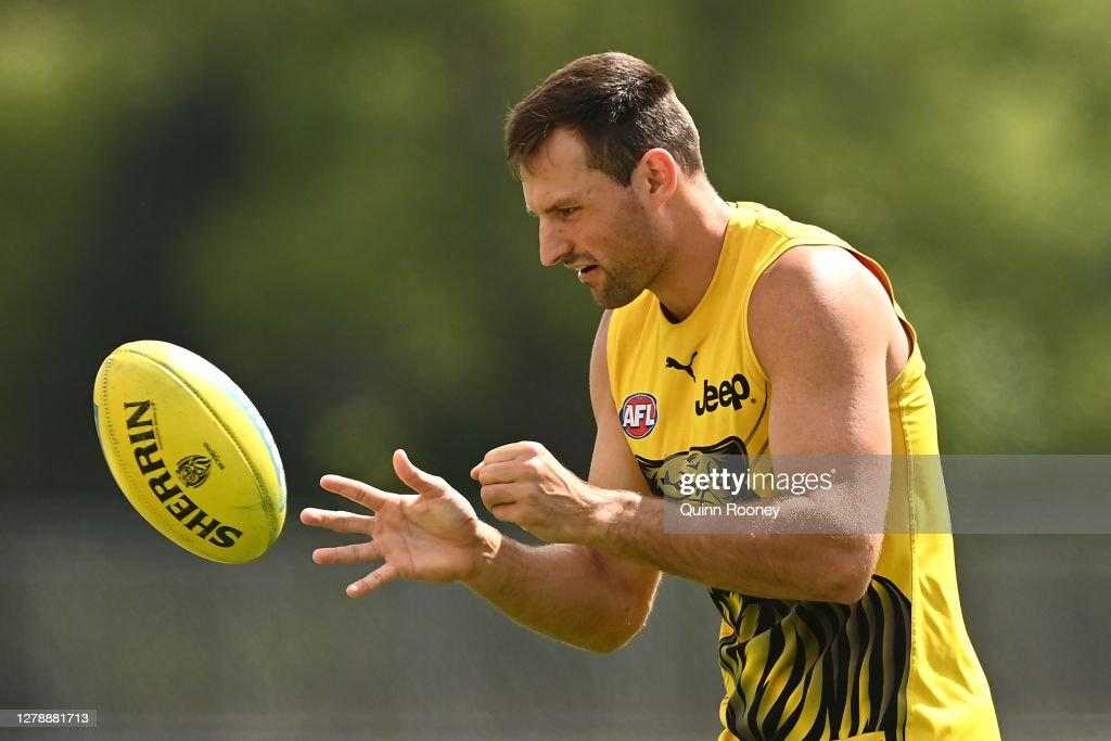 Richmond Tigers Training Session : News Photo