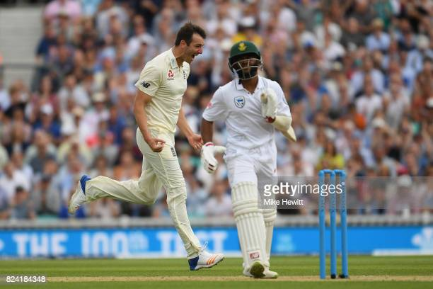 Toby RolandJones of England celebrates after dismissing Temba Bavuma of South Africa to complete a five wicket haul on debut during Day Three of the...