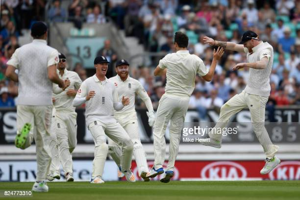 Toby RolandJones of England celebrates with team mates after trapping Vernon Philander of South Africa lbw first ball during the 3rd Investec Test...
