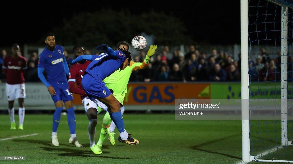 AFC Wimbledon v West Ham United - FA Cup Fourth Round : News Photo
