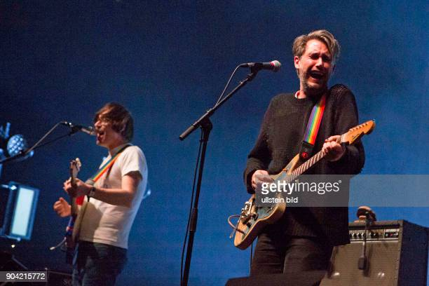 Tocotronic - die deutsche Rock-Band mit Saenger Dirk von Lowtzow bei einem Konzert in der Alsterdorfer Sporthalle in Hamburg. (Photo by Jazz Archiv...