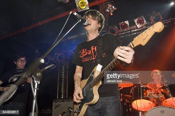 Tocotronic - Musikgruppe, Rockmusik, D - Gitarrist Dirk von Lowtzow - Auftritt im Uebel und Gefaehrlich, Hamburg -
