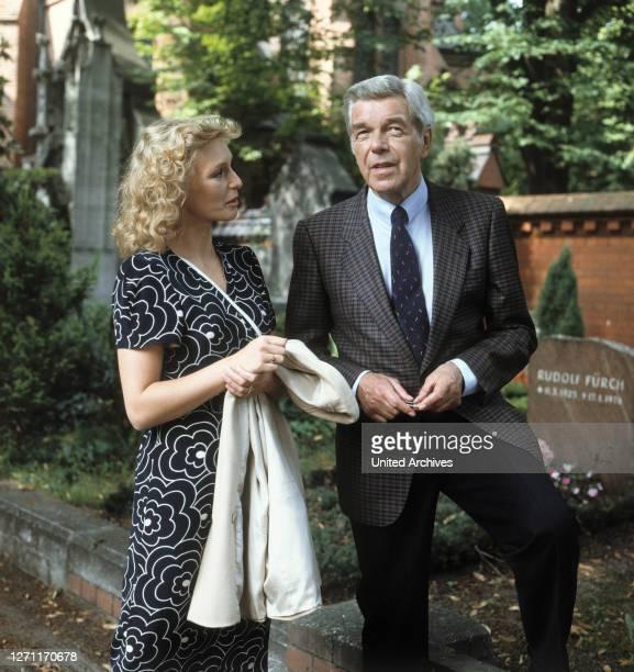 MARITA MARSCHALL und HEINZ DRACHE in 'TATORT' Folge 'Tod macht erfinderisch'1986