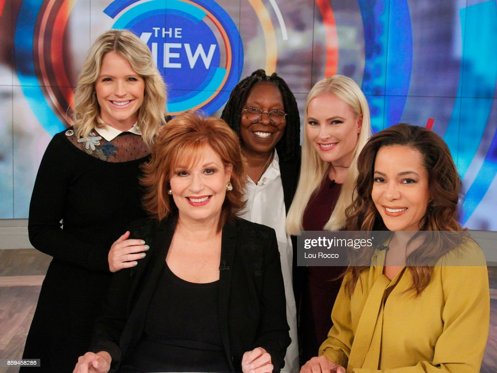"ABC's ""The View"" - Season 20 : News Photo"