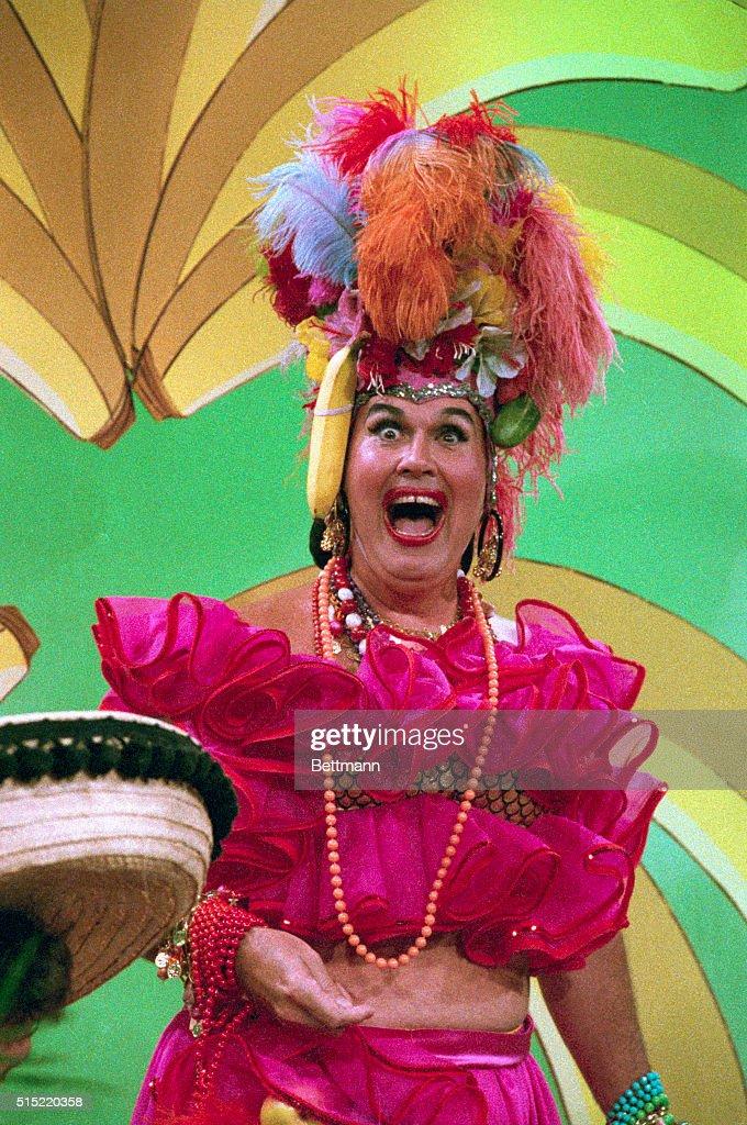 Willard Scott Dressed as Carmen Miranda : News Photo