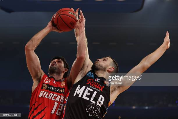 Todd Blanchfield of the Wildcats goes to the basket against Chris Goulding of Melbourne United during game one of the NBL Grand Final Series between...