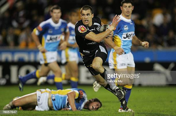 Todd Byrne of the Warriors in action during the round 22 NRL match between the Warriors and the Gold Coast Titans at Mt Smart Stadium August 11, 2007...