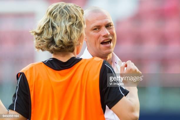 Todd Cantwell of Fortuna Sittard coach Kevin Hofland of Fortuna Sittard during the Jupiler League match between Jong FC Utrecht and Fortuna Sittard...