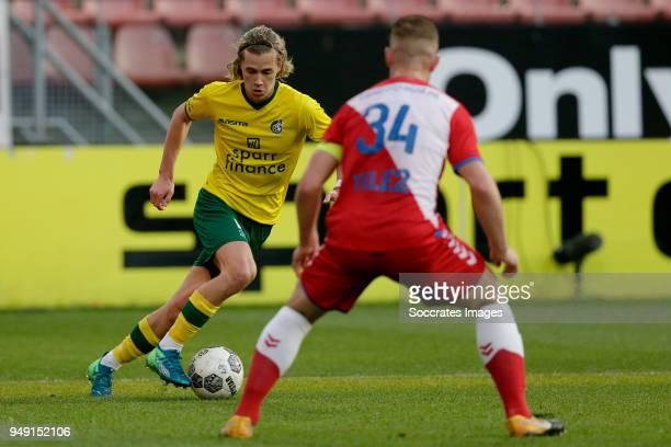 Todd Cantwell of Fortuna Sittard Robin Zwartjens of FC Utrecht U23 during the Dutch Jupiler League match between Utrecht U23 v Fortuna Sittard at the...