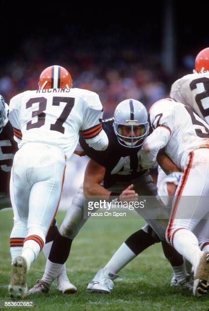 Todd Christensen of the Los Angeles Raiders in action against the Cleveland Browns during an NFL football game October 20 1985 at Cleveland Municipal...