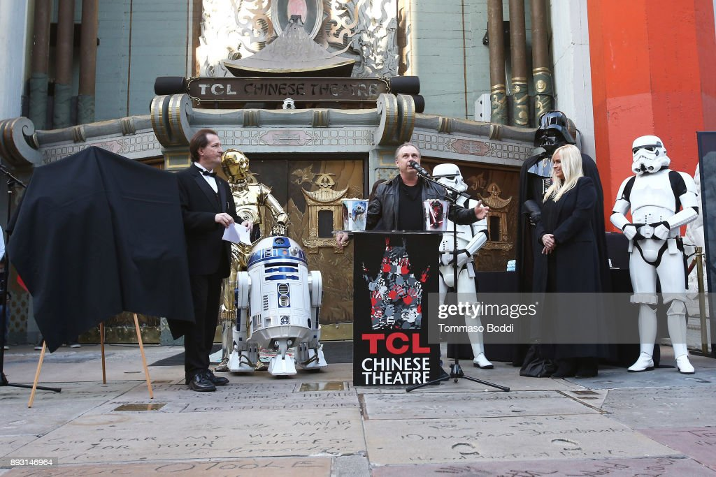 "Todd Fisher Unveils Commemorative Plaque In Honor Of His Sister Carrie Fisher For Opening Day Of ""Star Wars: The Last Jedi"""