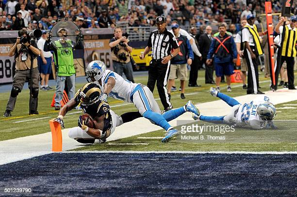Todd Gurley of the St Louis Rams scores a touchdown in the fourth quarter against the Detroit Lions at the Edward Jones Dome on December 13 2015 in...