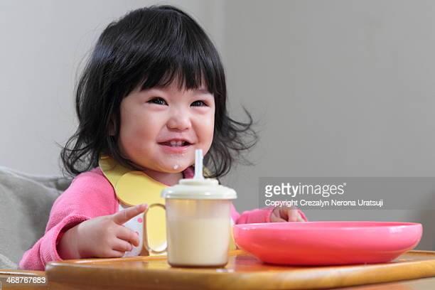 Toddler having breakfast (^o^)