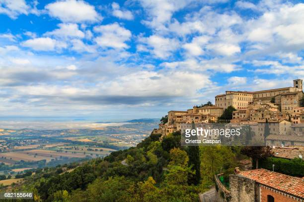 todi perched on a hilltop - umbria, italy - umbria stock pictures, royalty-free photos & images