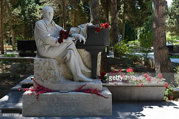 Tofiq Quliev Sepulcher, an Azerbaijani composer, pianist, conductor statue at the Avenue of Honor, a public cemetery and memorial in Baku. The Alley...
