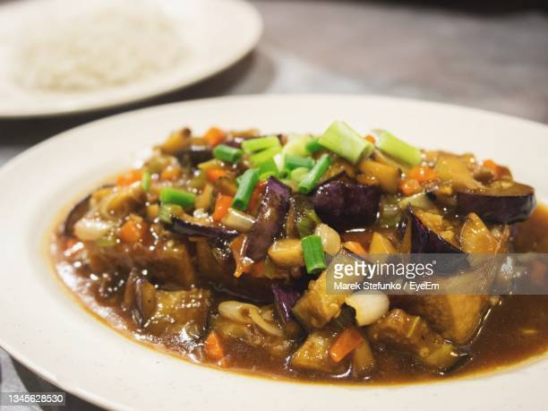 tofu with vegetables and rice - marek stefunko stock pictures, royalty-free photos & images