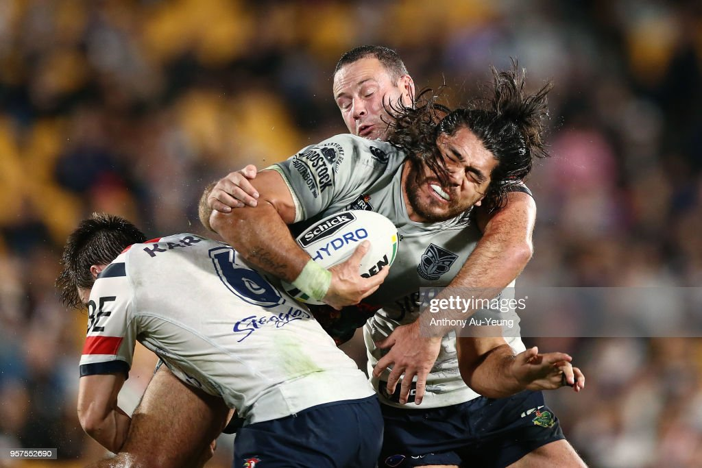 Tohu Harris of the Warriors runs into Luke Keary of the Roosters during the round 10 NRL match between the New Zealand Warriors and the Sydney Roosters at Mt Smart Stadium on May 12, 2018 in Auckland, New Zealand.
