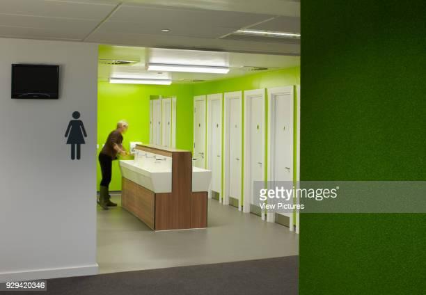 Toilet and washroom area. South Wolverhampton & Bilston Academy, Bilston, United Kingdom. Architect: Capita Symonds Architecture, 2012.