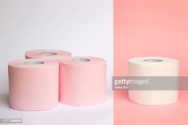 toilet paper - トイレットペーパー ストックフォトと画像