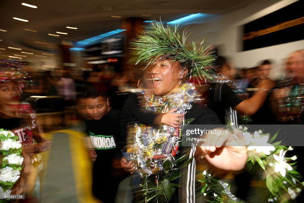 Toka Natua of the Black Ferns dances as the New Zealand Black Ferns arrive at Auckland International Airport on August 29, 2017 in Auckland, New Zealand. New Zealand won the 2017 Women's Rugby World Cup by defeating England in the Final in Belfast.