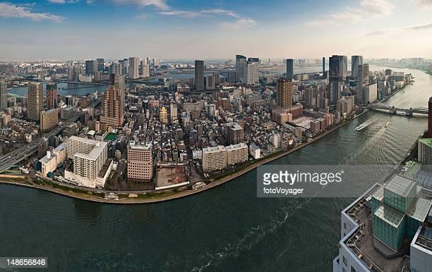 東京空から見た「vista Sumida 中でも墨田ハーバーの島々の日本の街並みのパノラマビュー