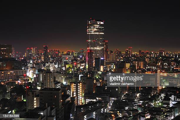 tokyo at night - roppongi hills stock pictures, royalty-free photos & images