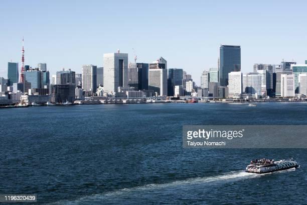 tokyo bay coast scenery - ワイドショット ストックフォトと画像