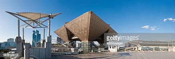 tokyo big sight convention exhibition center odaiba plaza panorama japan - tokyo big sight stock photos and pictures