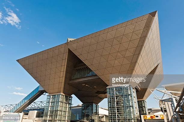 tokyo big sight international exhibition center odaiba japan - tokyo big sight stock photos and pictures