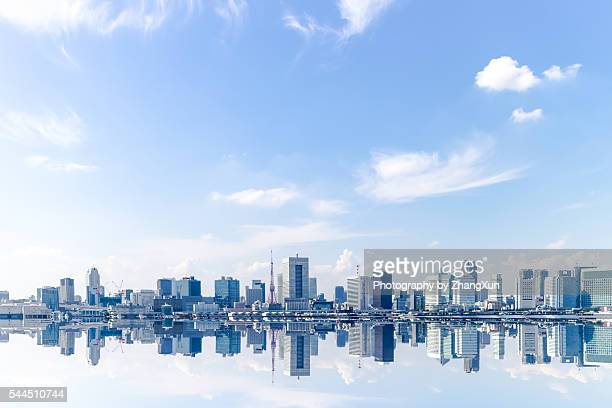 tokyo city waterfront skyline at daytime - horizon over water stock pictures, royalty-free photos & images