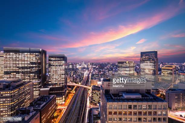 tokyo cityscape at night, japan - この撮影のクリップをもっと見る 2025 stock pictures, royalty-free photos & images