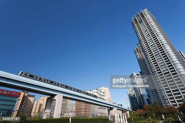 tokyo cityscape - monorail stock pictures, royalty-free photos & images