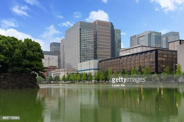 tokyo cityscape - emperor of japan fotografías e imágenes de stock