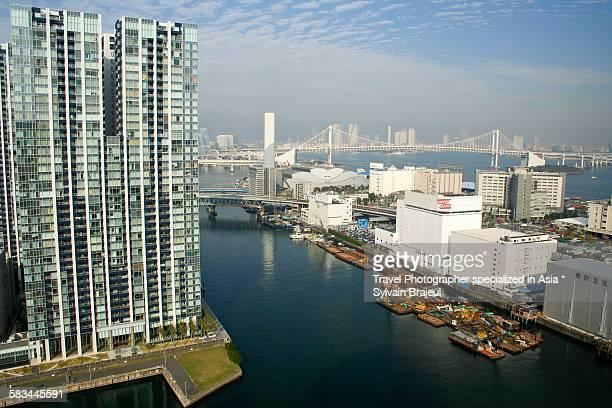 tokyo harbour -  brajeul sylvain photos et images de collection