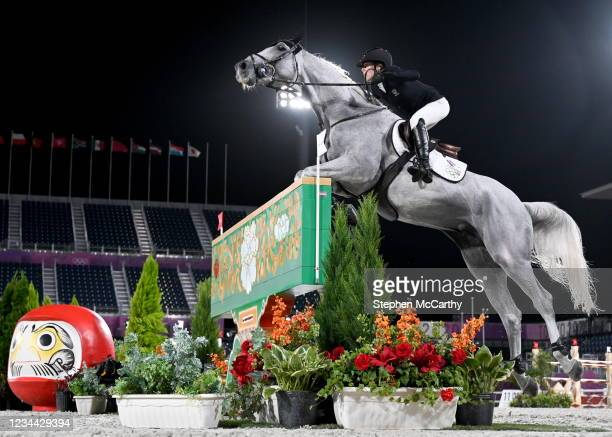 Tokyo , Japan - 3 August 2021; Uma O'Neill of New Zealand riding Clockwise of Greenhill Z during the jumping individual qualifier at the Equestrian...
