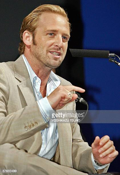 "Hollywood actor Josh Lucas gestures during a press conference for the promotion of his movie ""Poseidon"" at a Tokyo hotel, 17 May 2006. The movie will..."