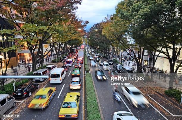 tokyo - japan - omotesando street - atumn and sales - 表参道 ストックフォトと画像