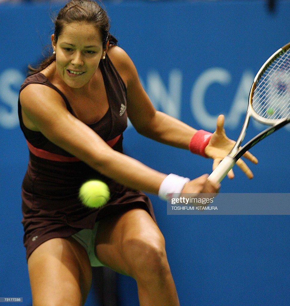 Serbia's tennis player Ana Ivanovic returns the ball toward Jelena... Foto  di attualità - Getty Images