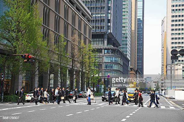 tokyo, marunouchi business district - road signal stock pictures, royalty-free photos & images