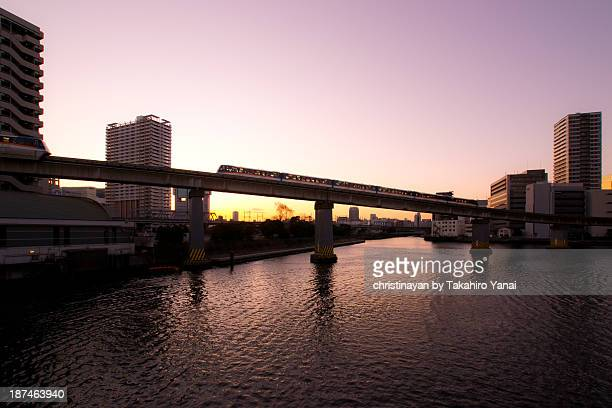 tokyo monorail - christinayan ストックフォトと画像