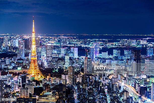 tokyo nightscape - roppongi hills stock pictures, royalty-free photos & images