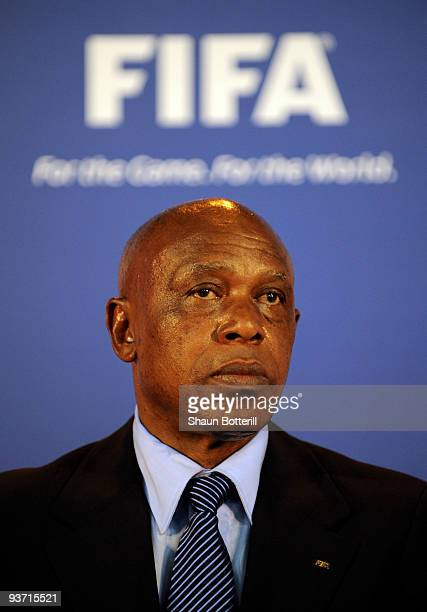 Tokyo Sexwale member of FIFA's Committee for Fair Play and Social Responsibility and former Robben Island prisoner talks to the media on December 3...