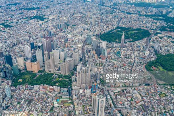 tokyo shinjuku area bird's eye view - 東京都庁舎 ストックフォトと画像