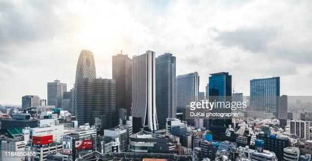 tokyo shinjuku district skyscraper skyline - city life ストックフォトと画像