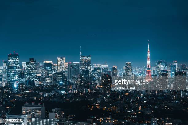 tokyo skyline at night - roppongi hills stock pictures, royalty-free photos & images