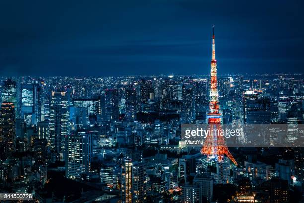 tokyo skyline at night - tokyo japan stock pictures, royalty-free photos & images