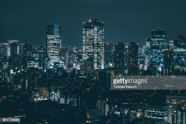 tokyo skyline at night - night stockfoto's en -beelden