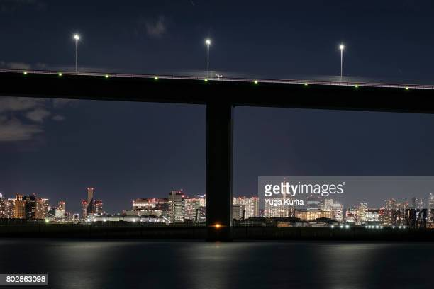tokyo skyline under a bridge - letter t stock pictures, royalty-free photos & images